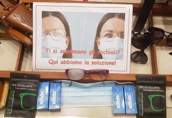 Mascherine e occhiali: come evitare l'appannamento